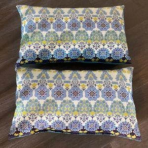2 beautiful reversible indoor/outdoor pillows